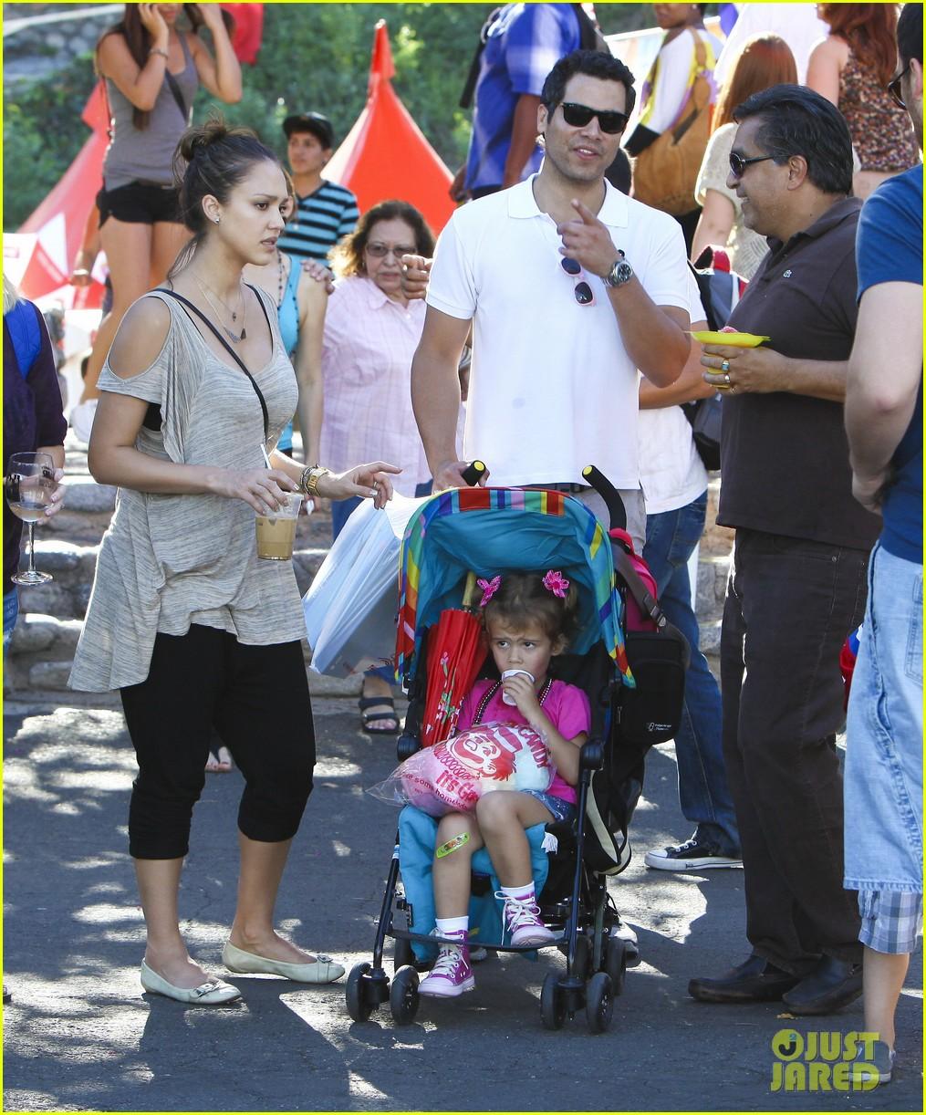 jessica alba family fun day 122586185