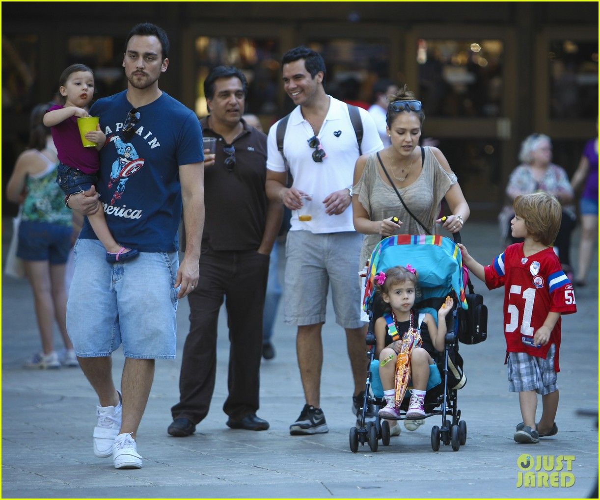 jessica alba family fun day 14