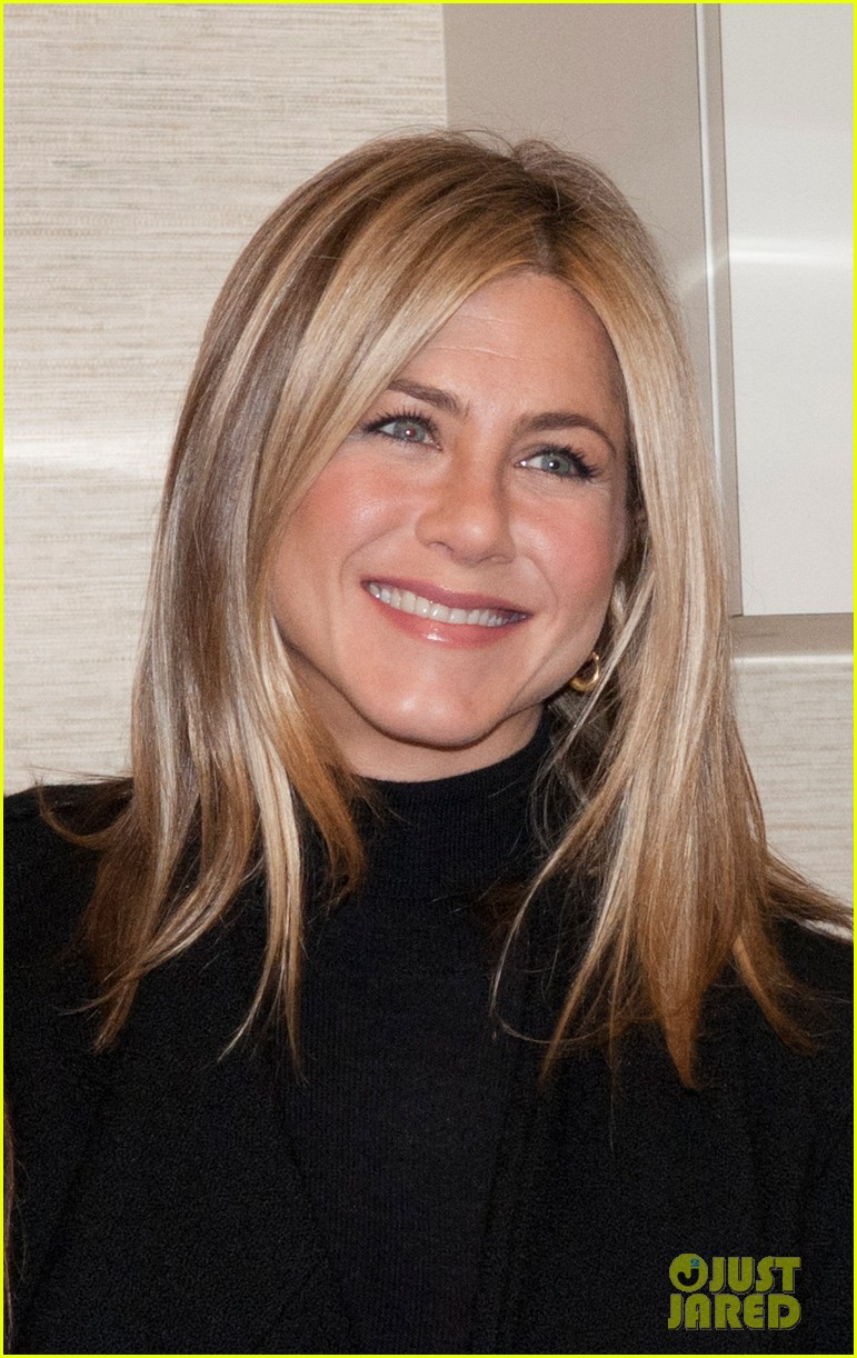jennifer aniston hospital visit jill biden 012586376
