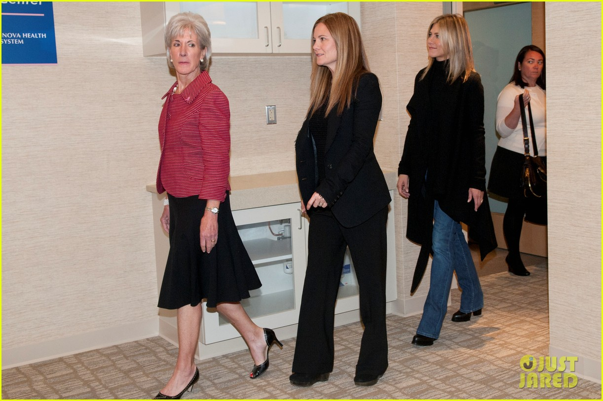jennifer aniston hospital visit jill biden 022586377