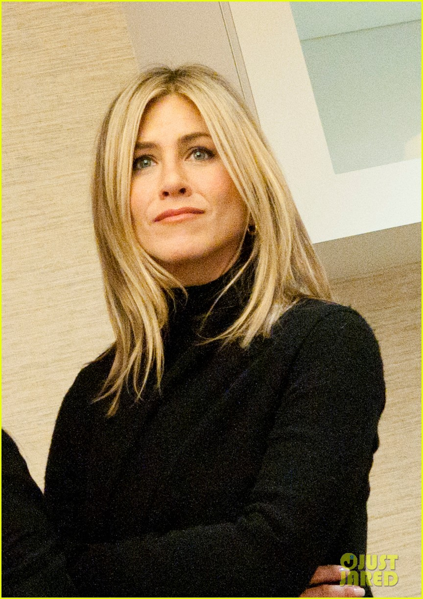 jennifer aniston hospital visit jill biden 032586378