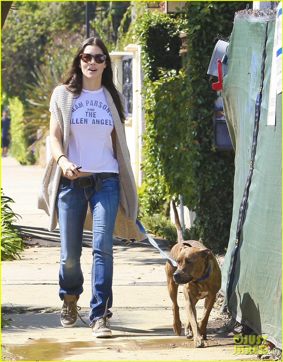 Full Sized Photo of jessica biel dog walking tattoo 02 ... Jessica Biel