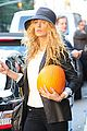 blake lively pumpkin picking 06