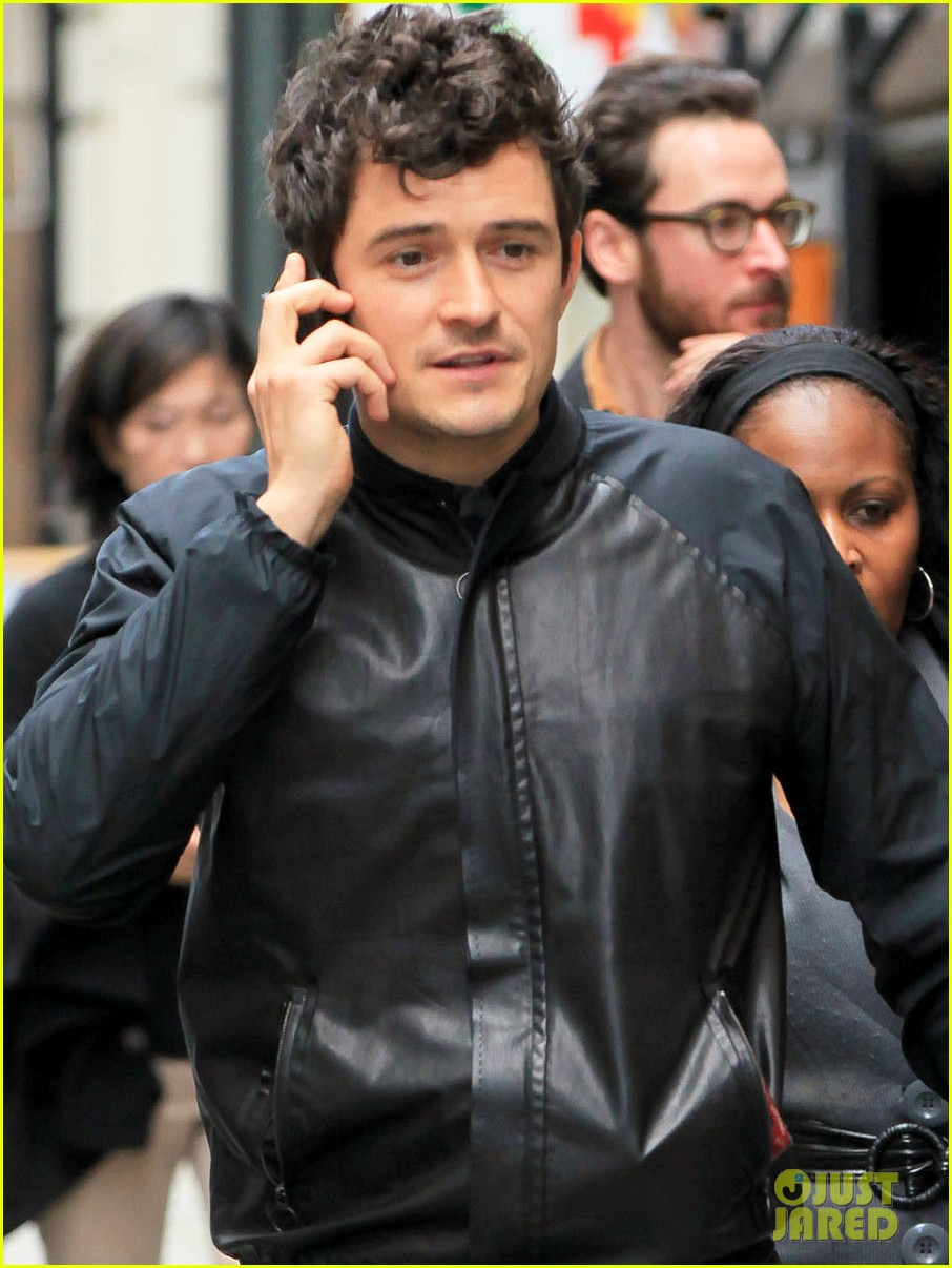 orlando bloom on the run with baby flynn 062592014