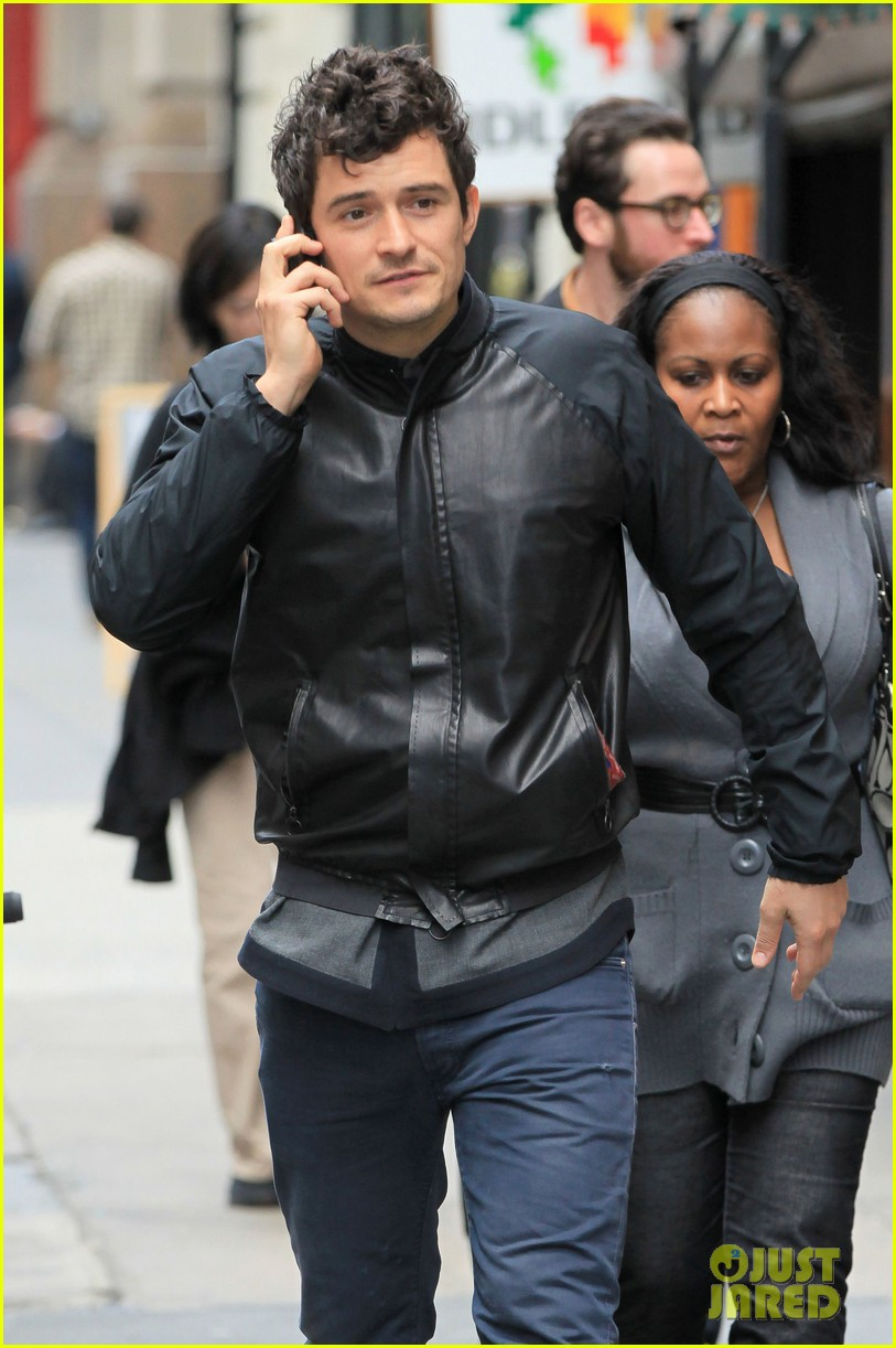orlando bloom on the run with baby flynn 082592016