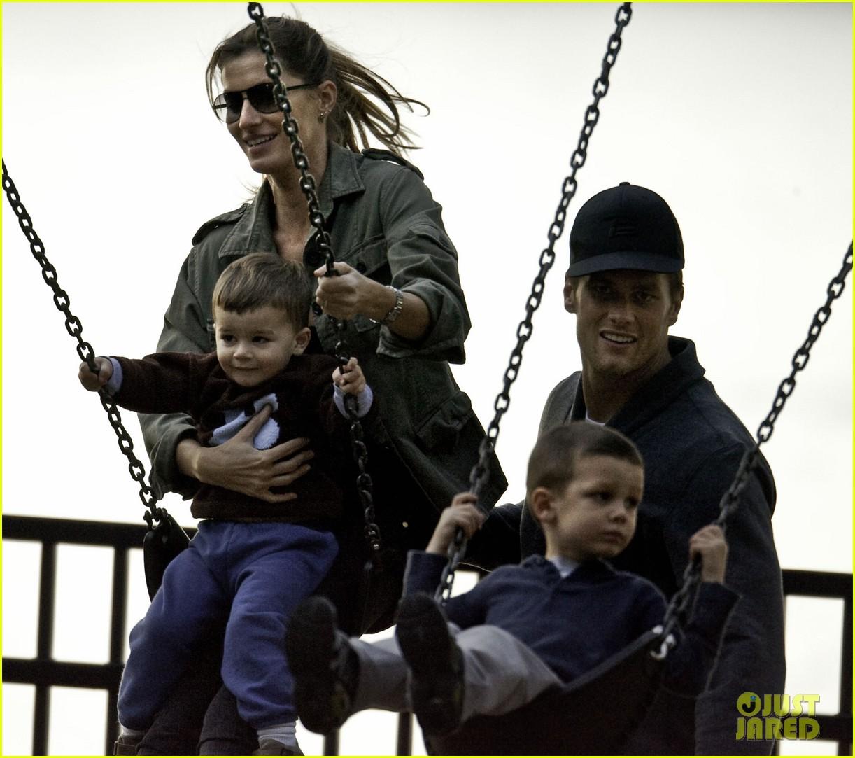 gisele bundchen swings family 012587719
