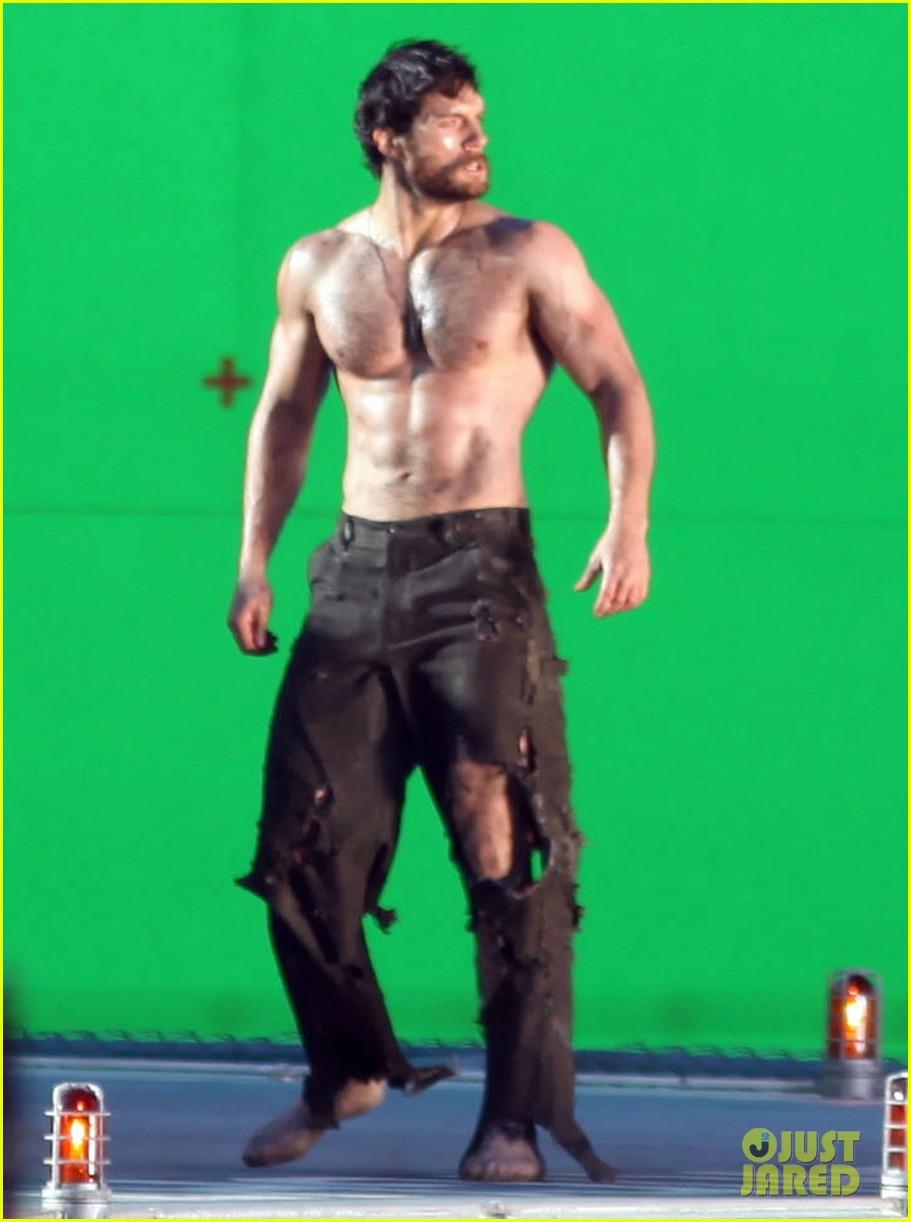 henry cavill shirtless greenscreen 012593623