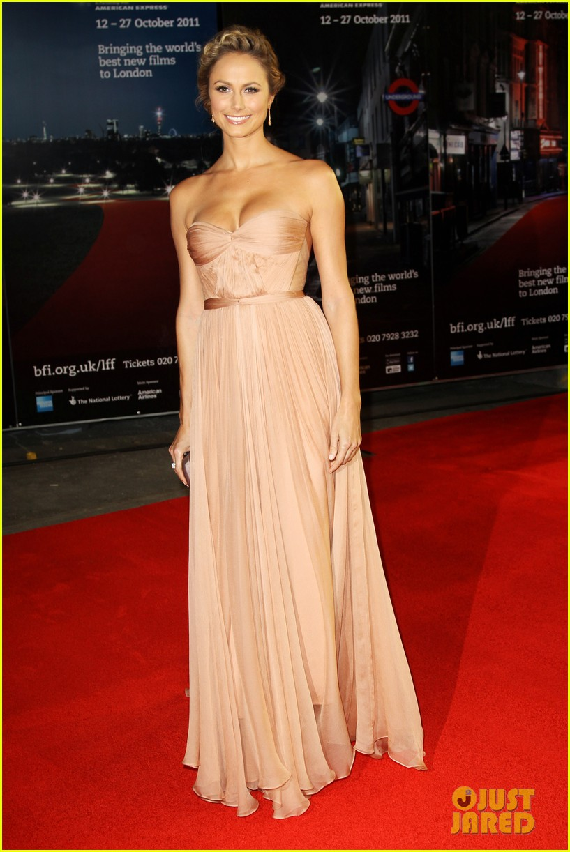 george clooney stacy keibler descendants premiere london 14