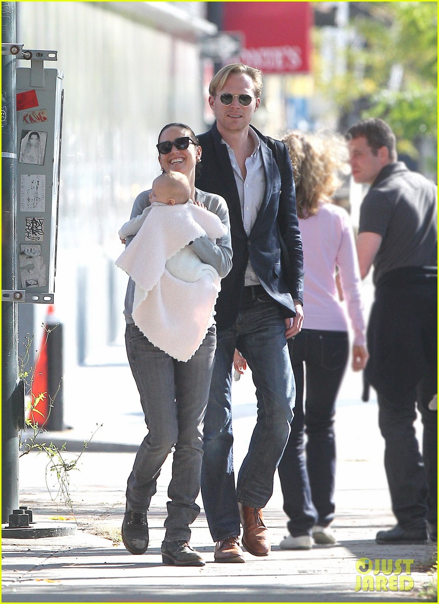 jennifer connelly agnes paul bettany nyc 05