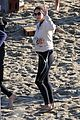 courteney cox beach cougar town 08