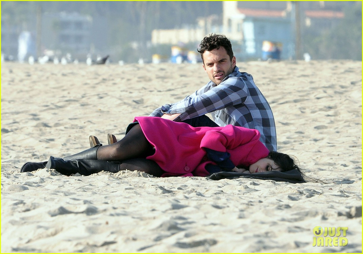 zooey deschanel new girl beach 05