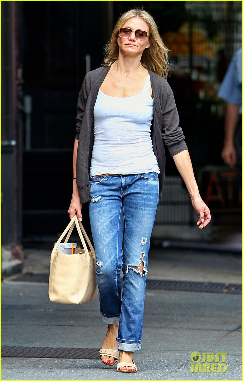 cameron diaz steps out after split 03