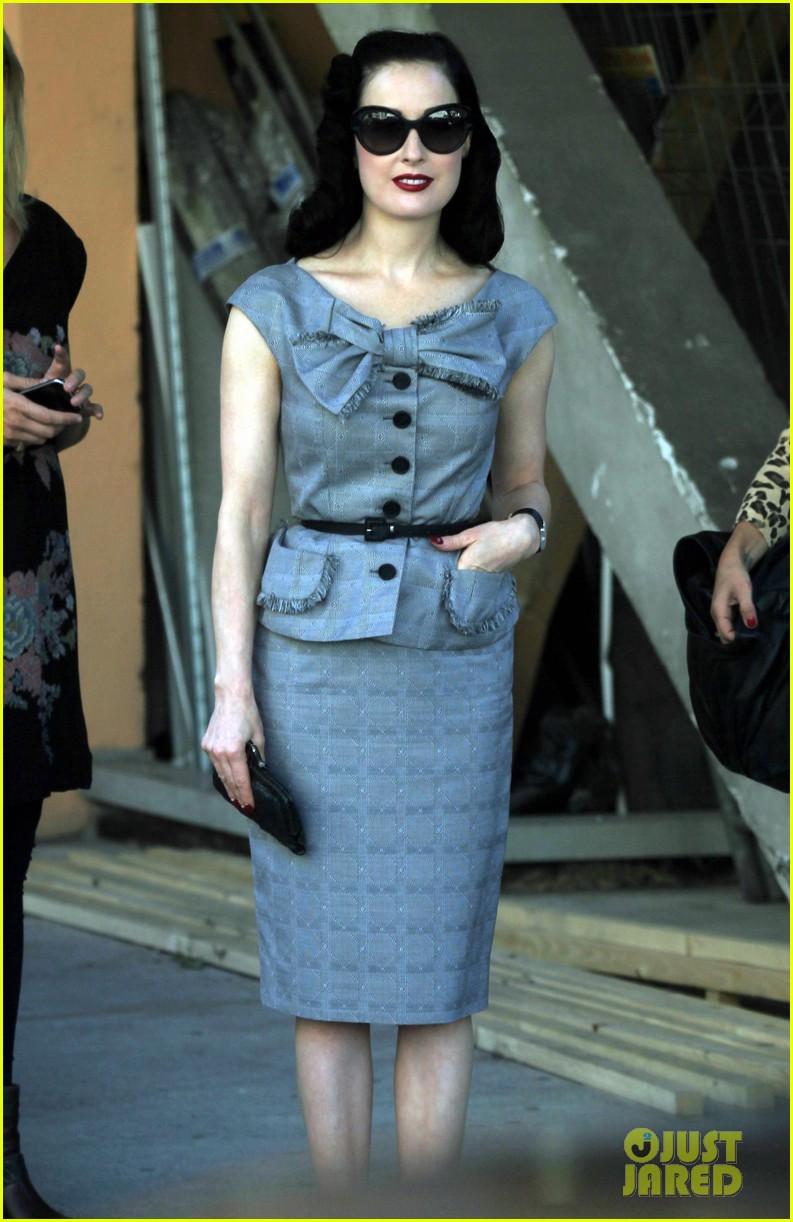 dita von teese grey dress milan 032588758