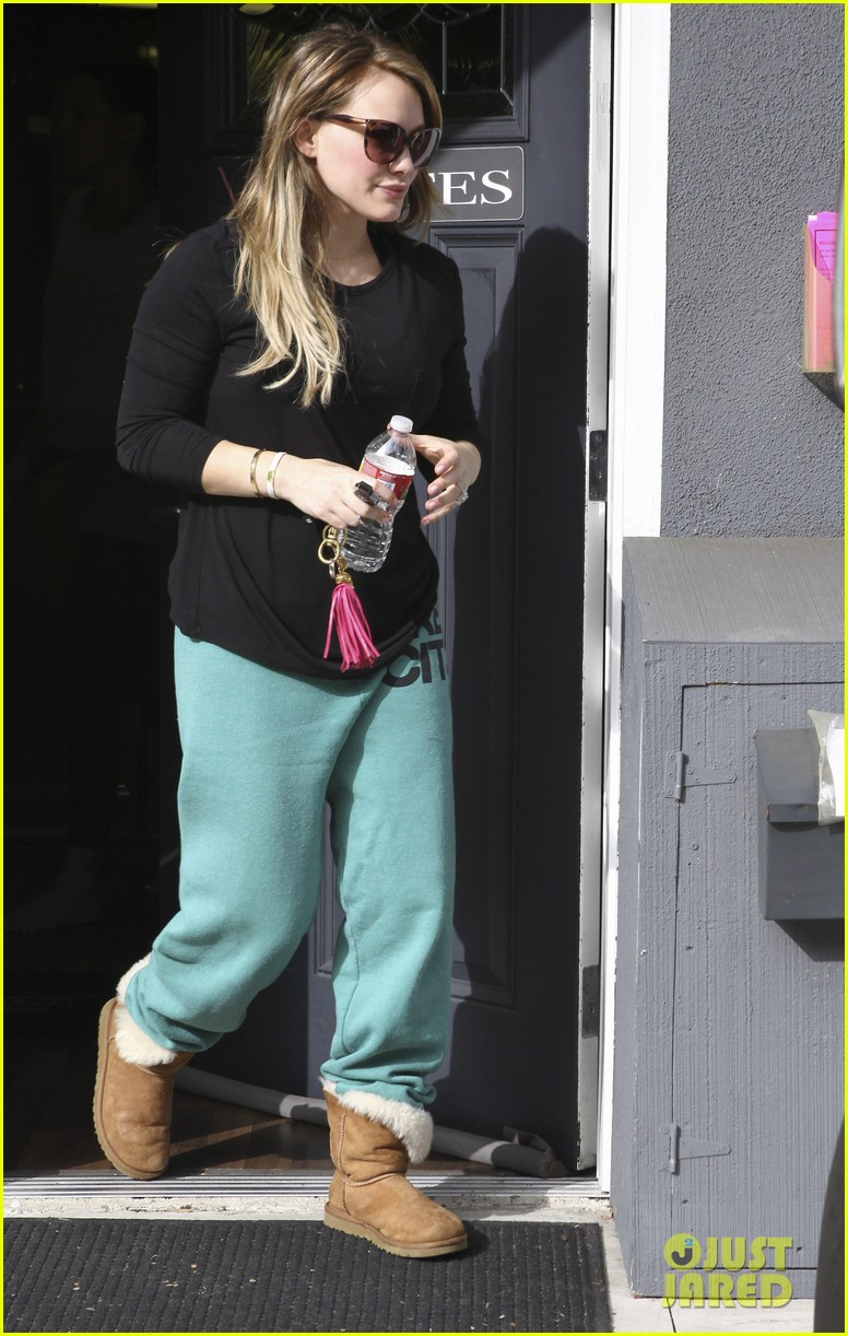 hilary duff green sweats pilates 052591848