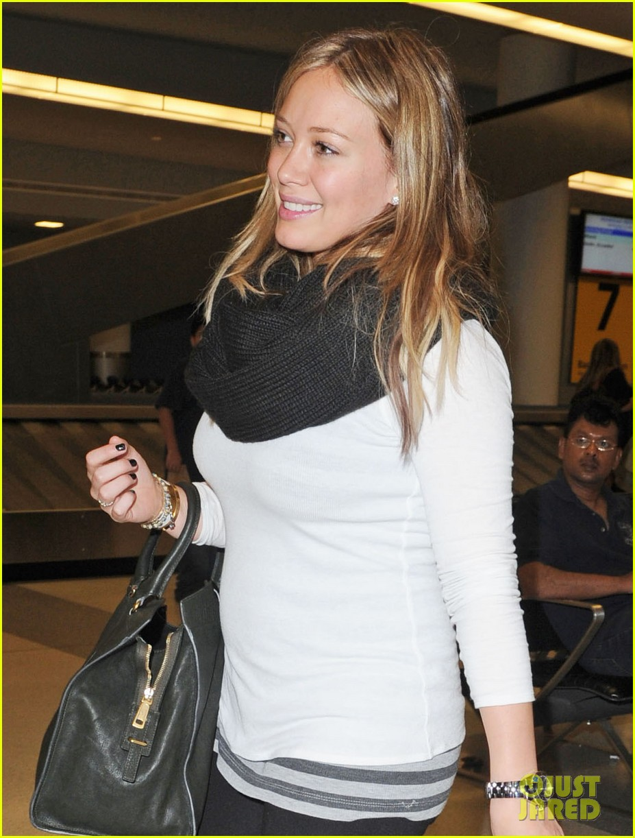 hilary duff white sweater 022588377
