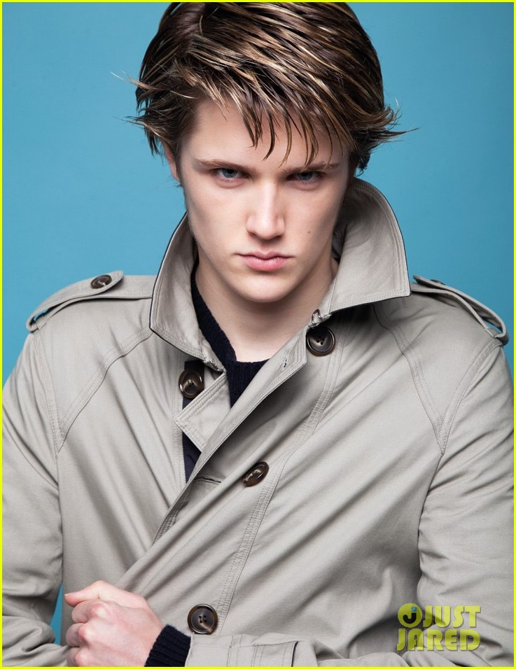 Is eugene simon dating anyone