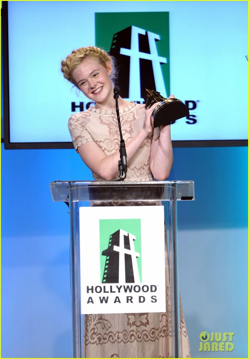 elle fanning hollywood film awards 2011 042593418