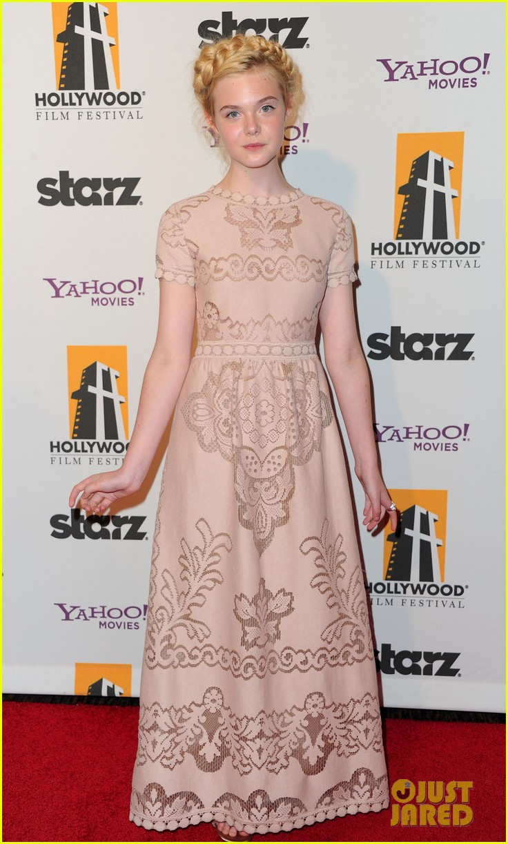 elle fanning hollywood film awards 2011 05