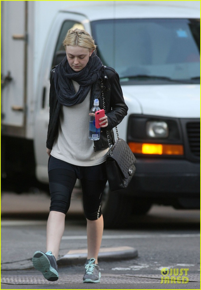dakota fanning early morning workout 092587564