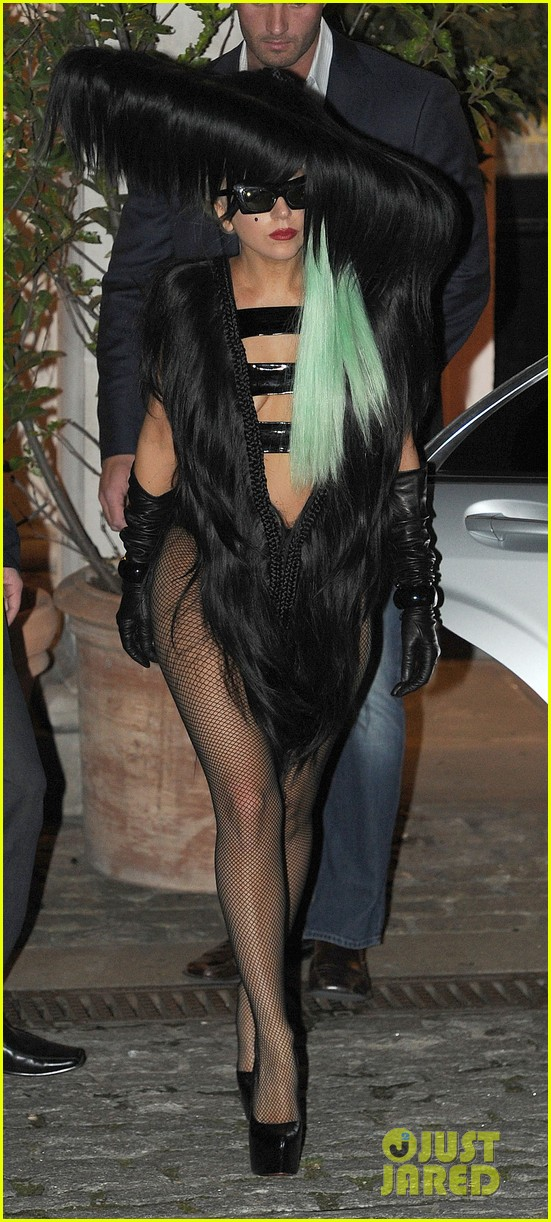 lady gaga hair outfit 07