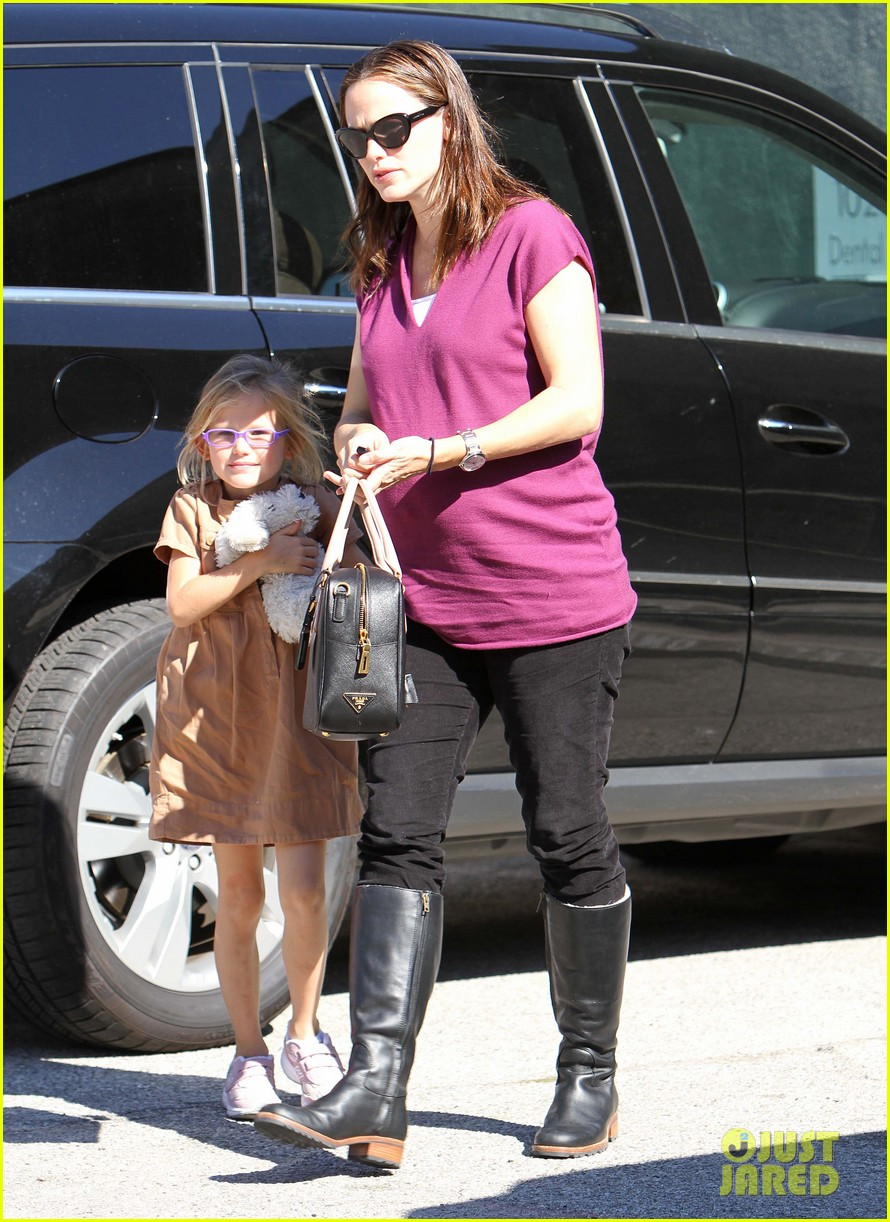 jennifer garner violet dentist 07