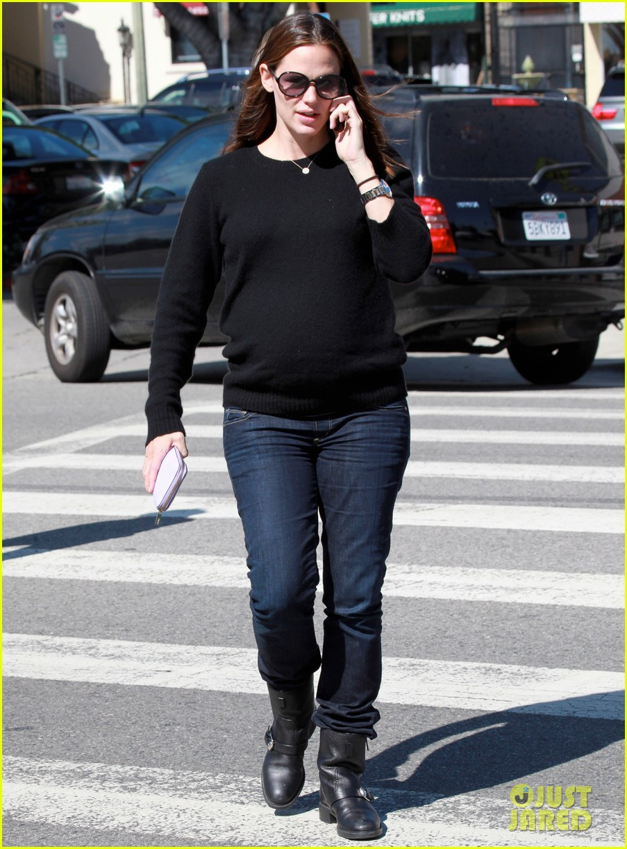 jennifer garner lemonade brentwood 09