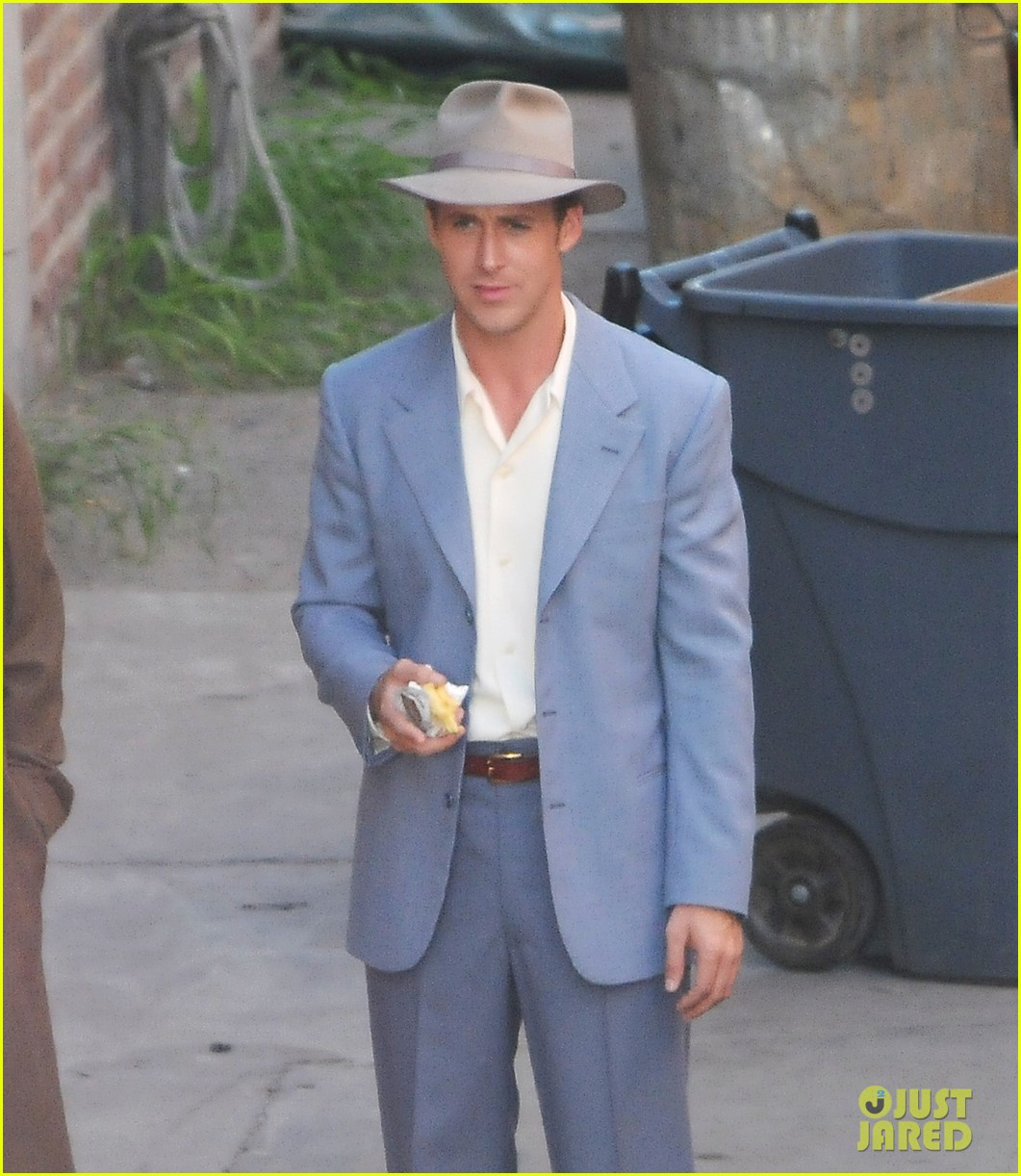Ryan Gosling Suit Ryan gosling baby blue suit 02