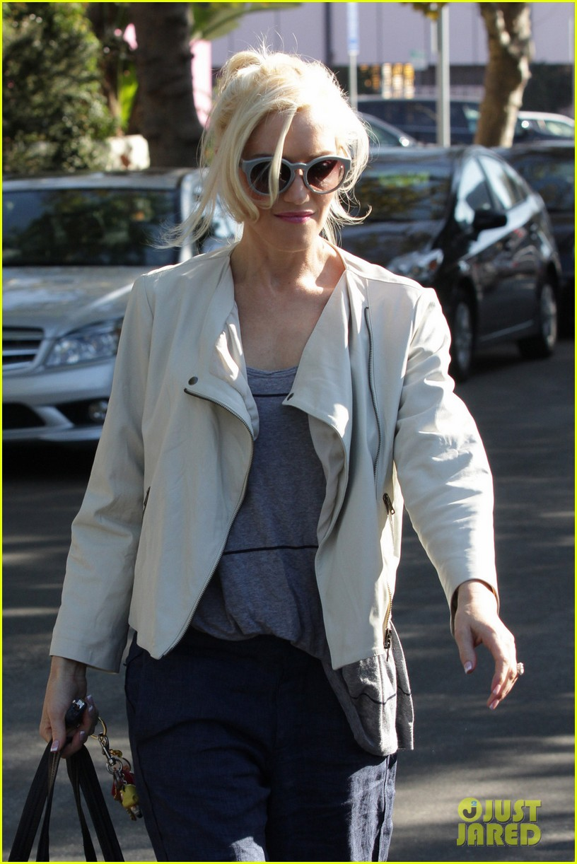 gwen stefani friends house los angeles 01