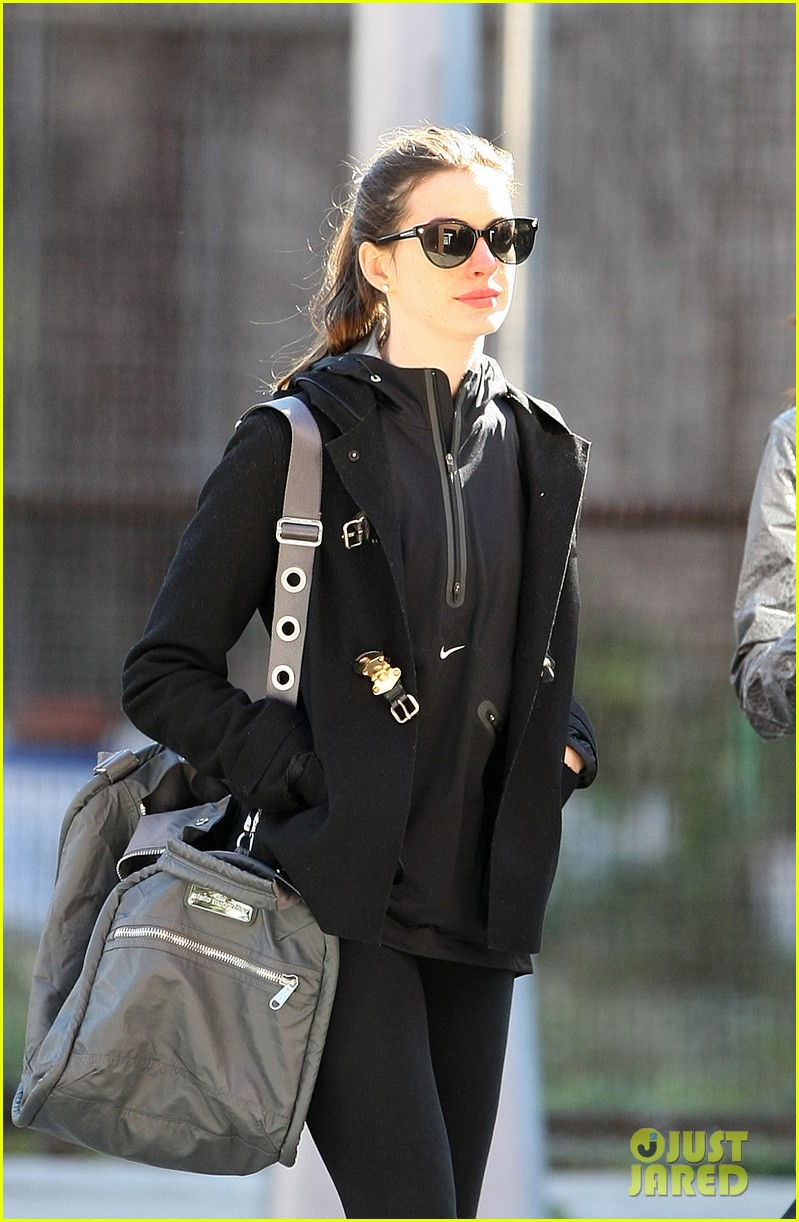 anne hathaway brooklyn date with adam shulman mom 042595010