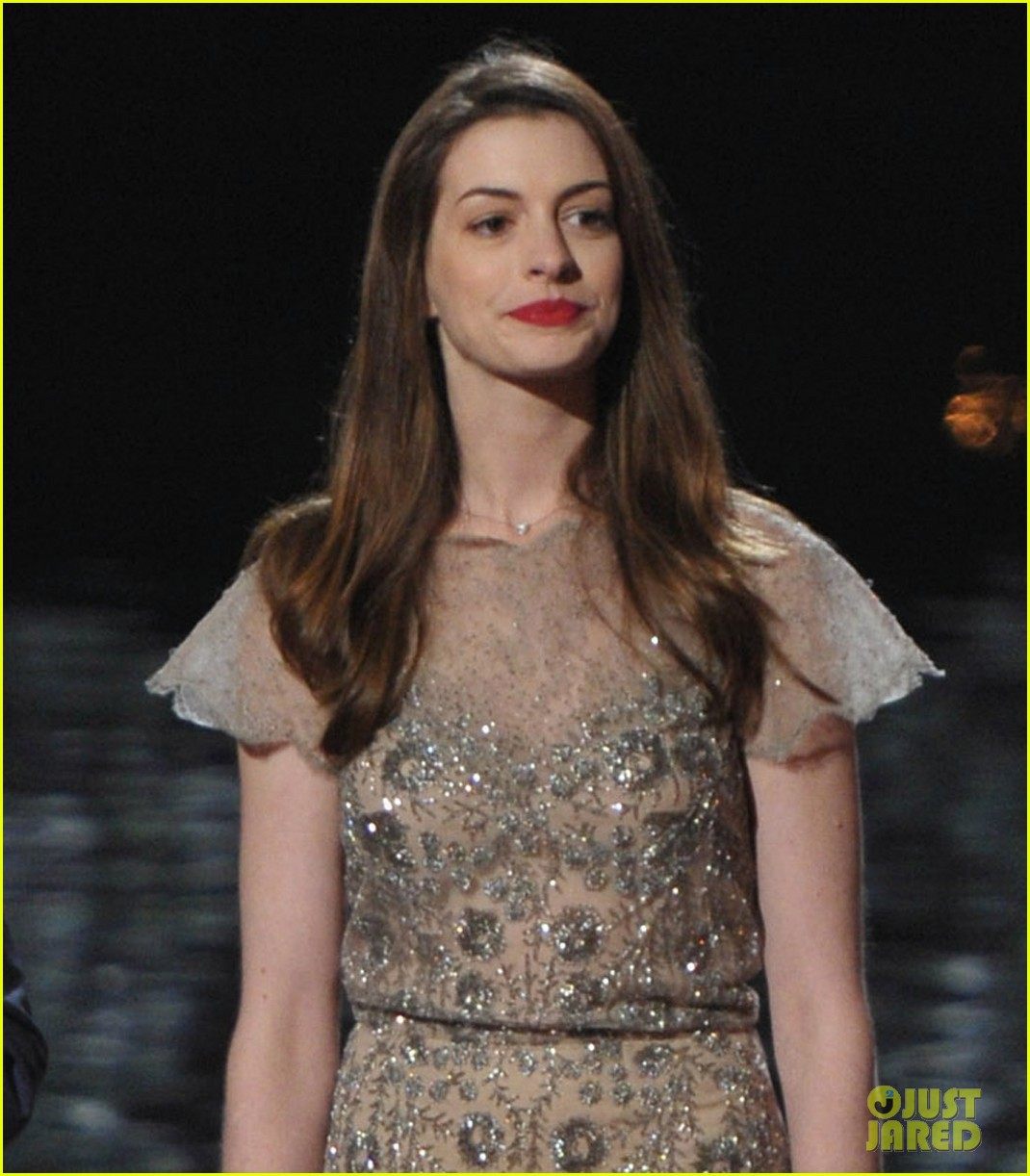anne hathaway dark knight rises wins scream award 022590399