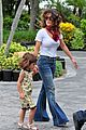 salma hayek miami seaquariam with valentina 08