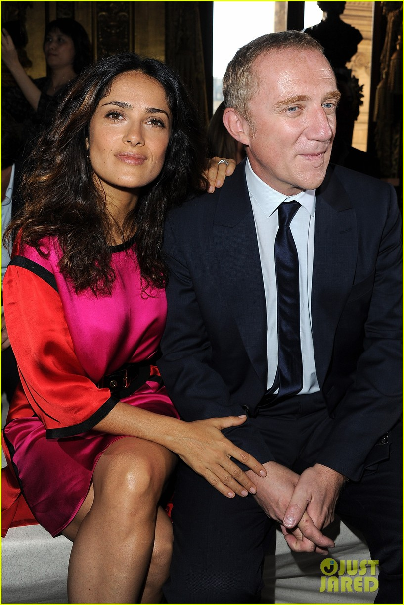 salma hayek francois henri pinault stella mccartney paris fashion week 01