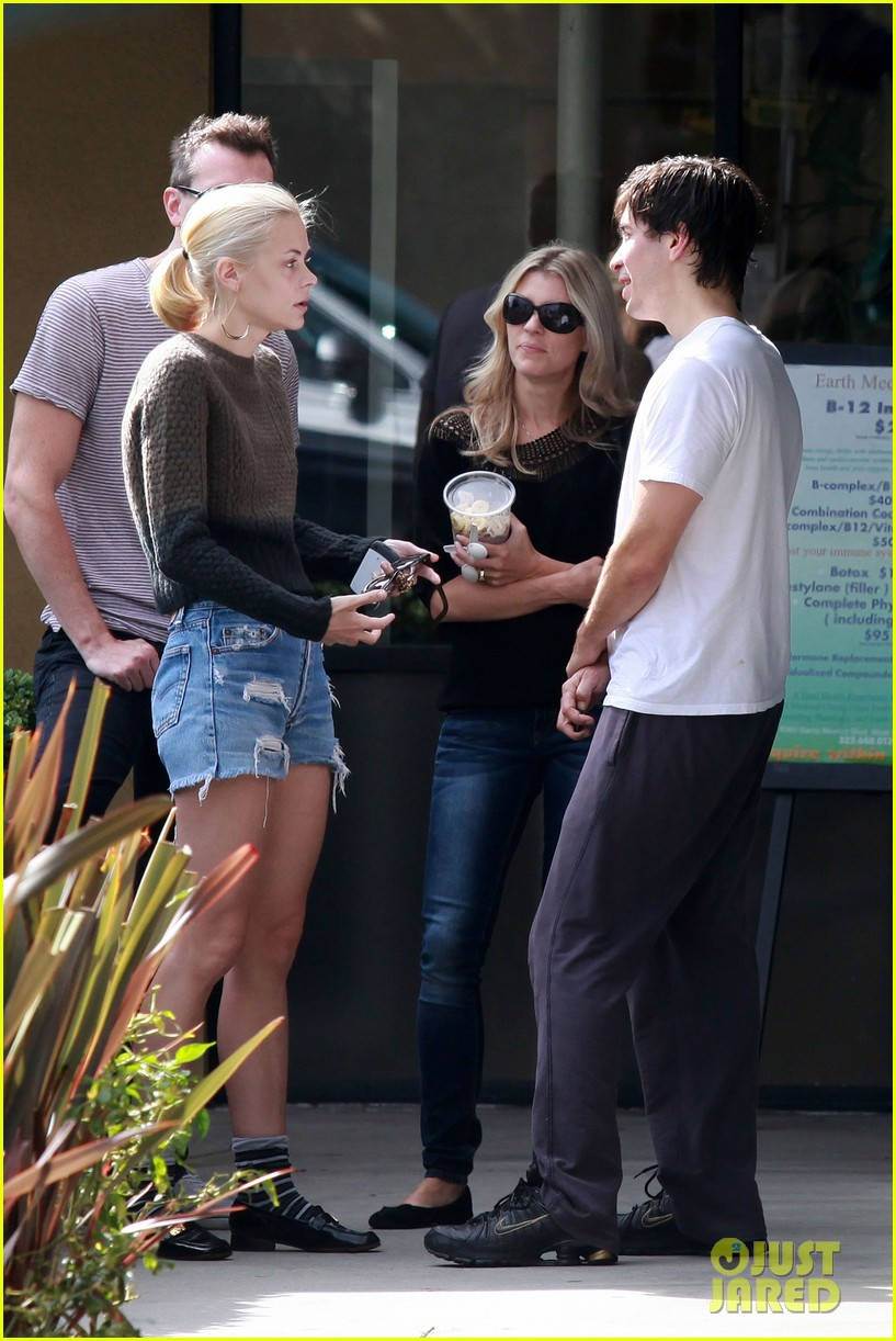 jaime king justin long earth bar 082585845