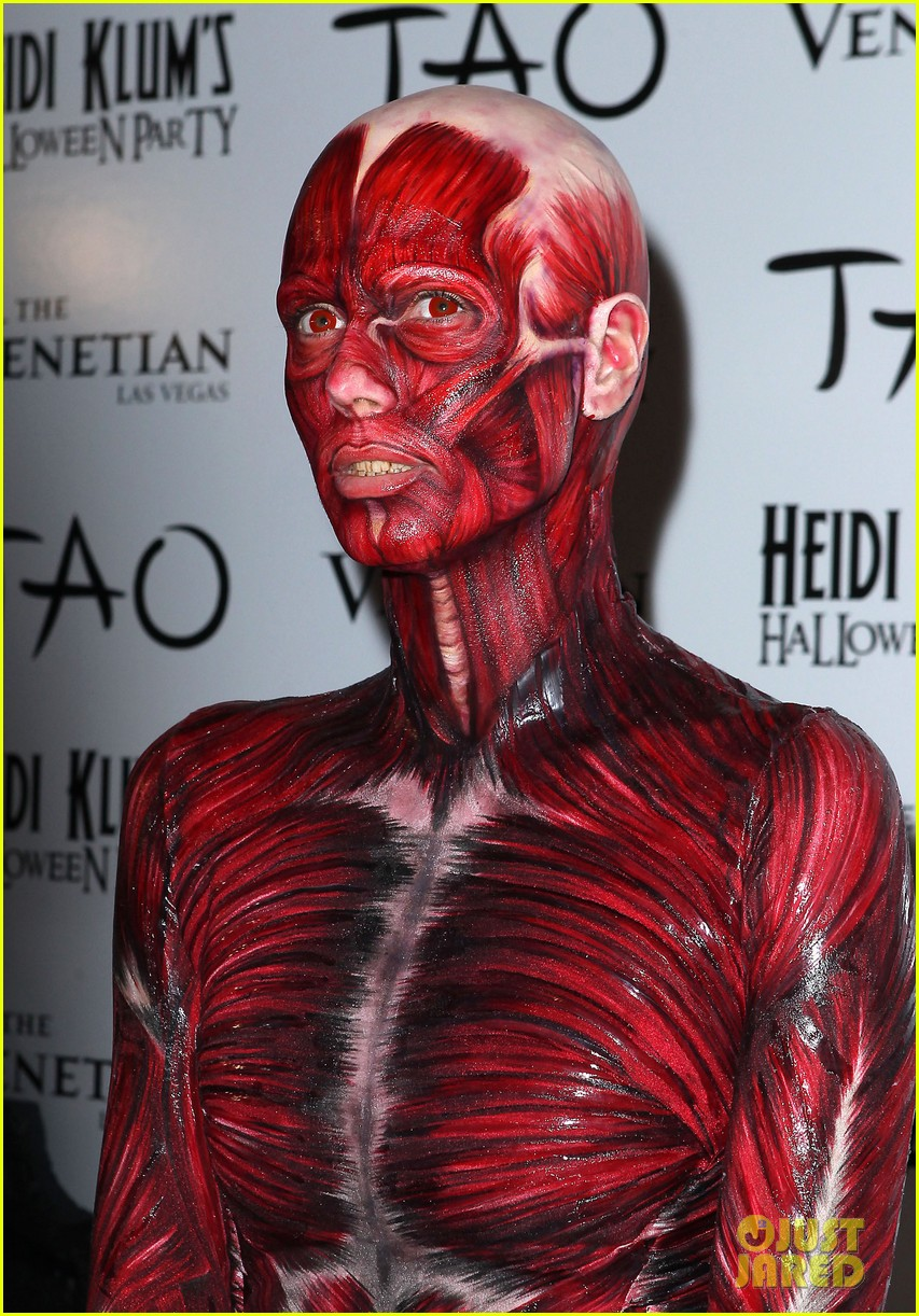 Heidi Klum Dead Body Halloween Costume Photo 2595254 Heidi Klum