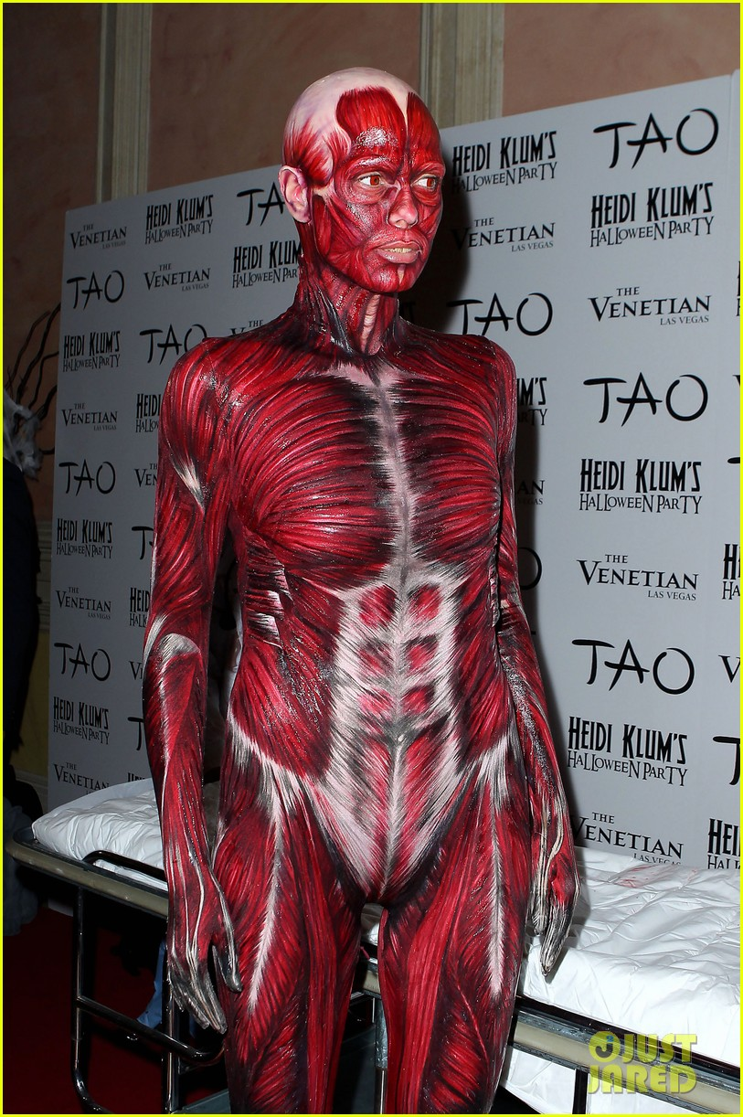 Heidi Klum Dead Body Halloween Costume Photo 2595255 Heidi Klum