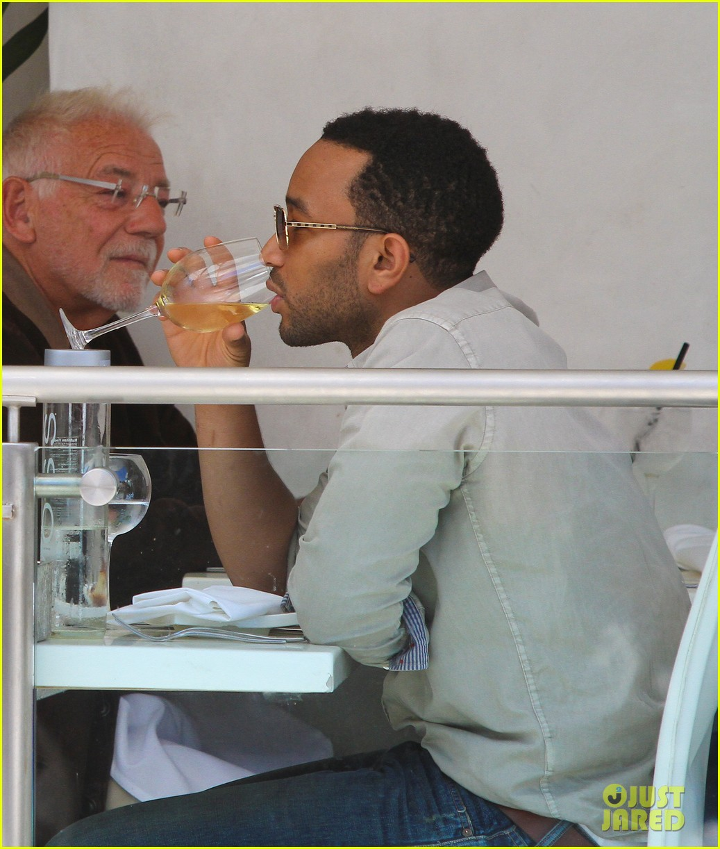 john legend chrissy teigen villa blanca lunch 02