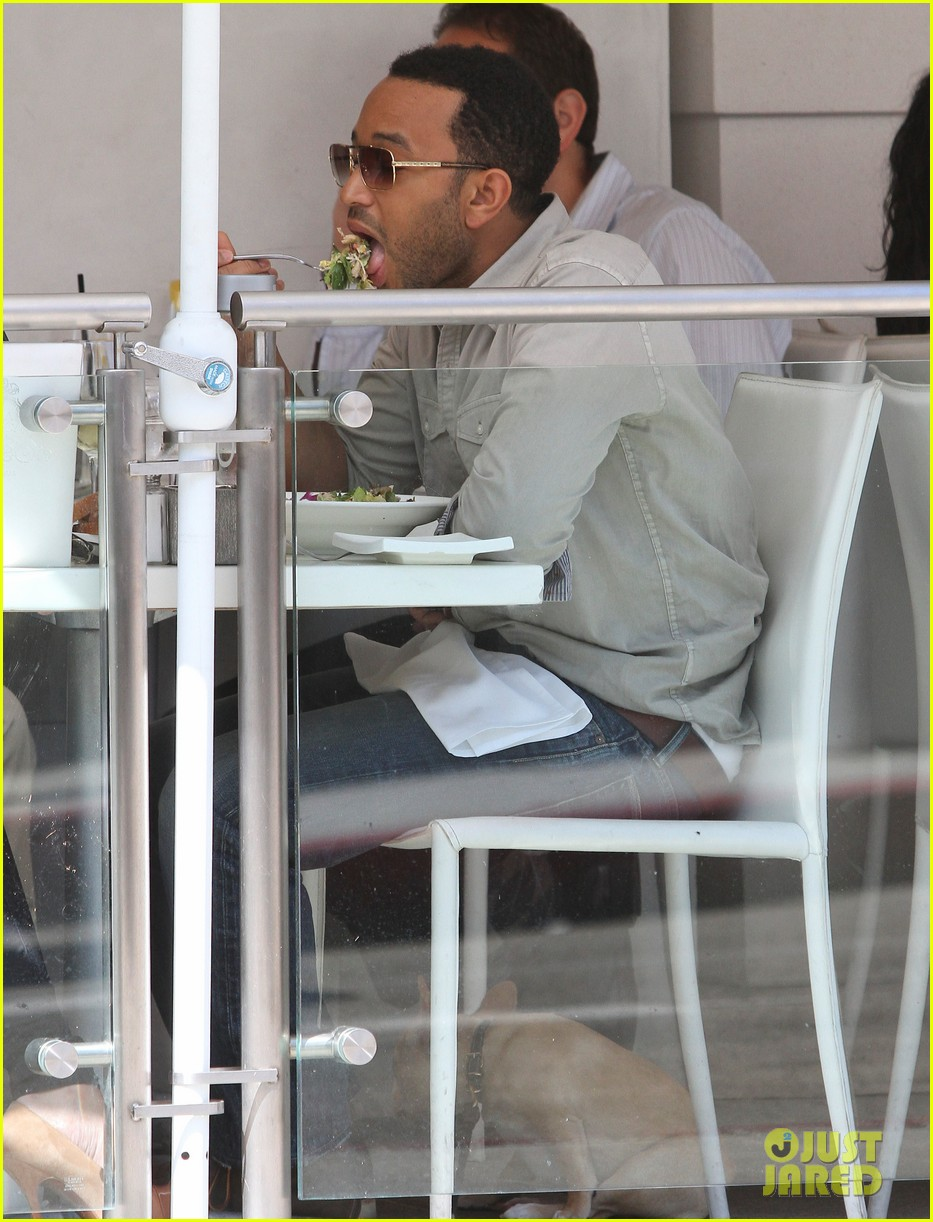 john legend chrissy teigen villa blanca lunch 072585757