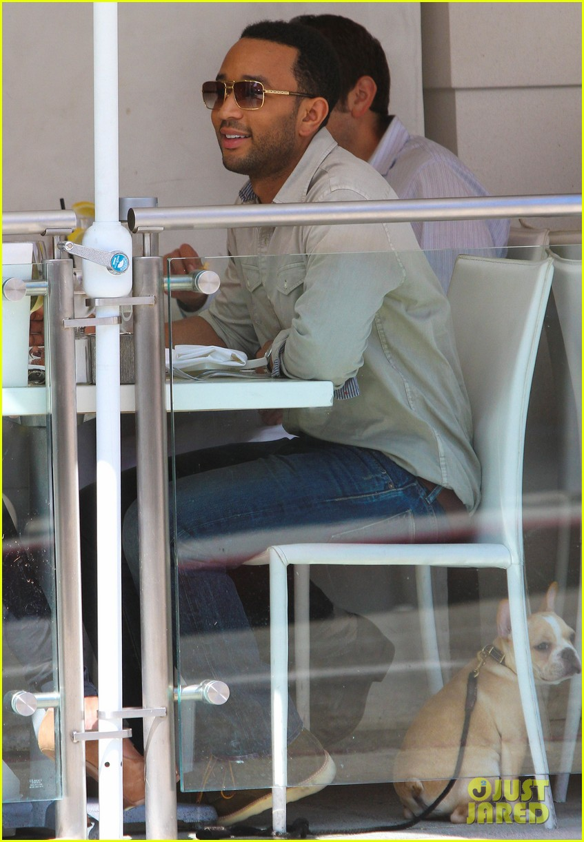 john legend chrissy teigen villa blanca lunch 092585759