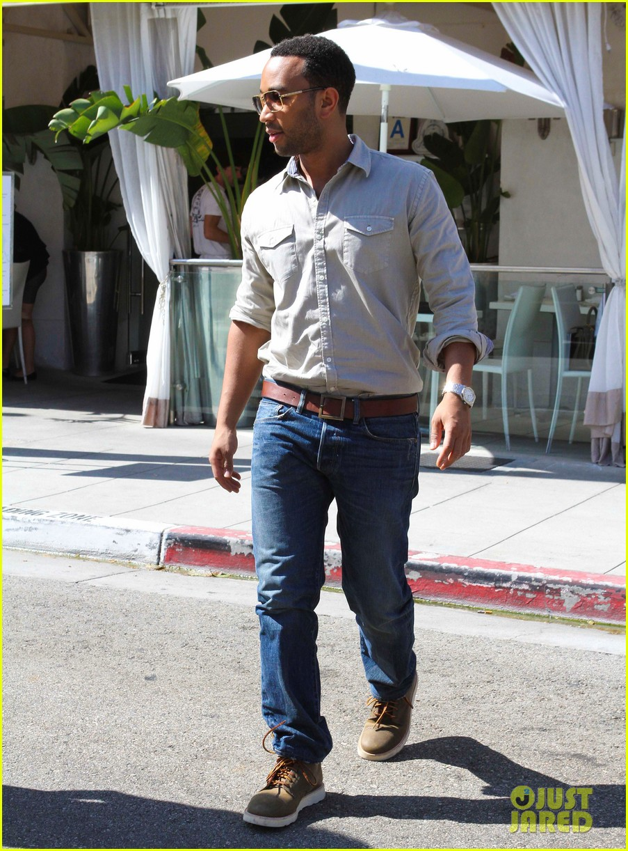 john legend chrissy teigen villa blanca lunch 152585765