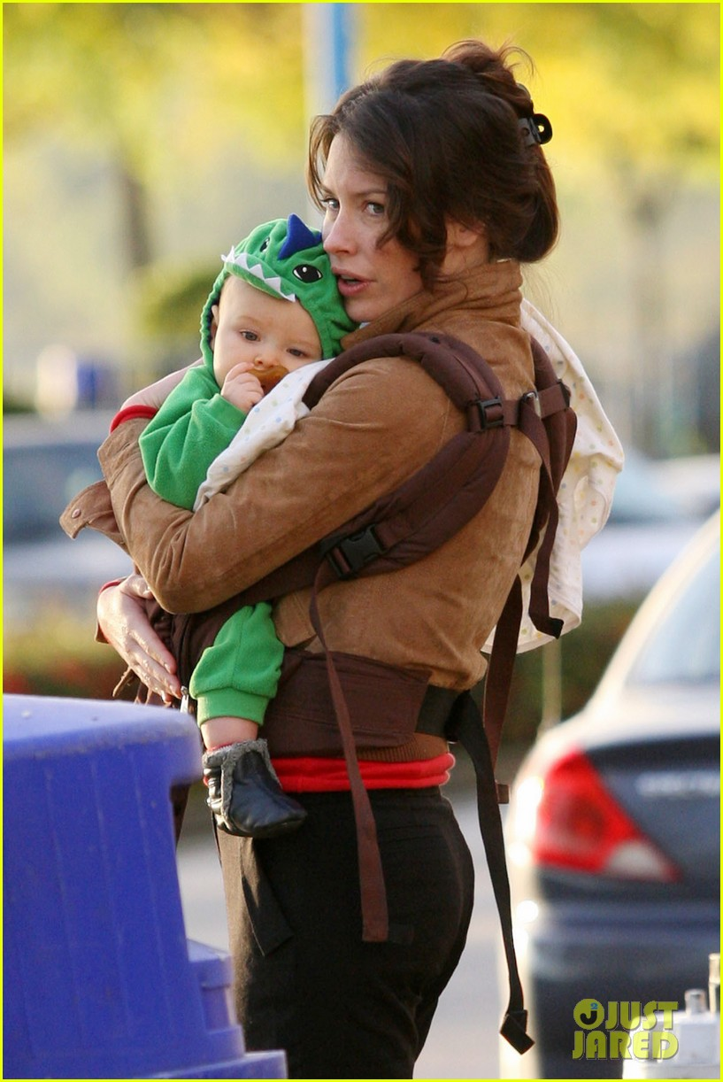 Evangeline Lilly & Son: Out in Vancouver!: Photo 2592780 ...