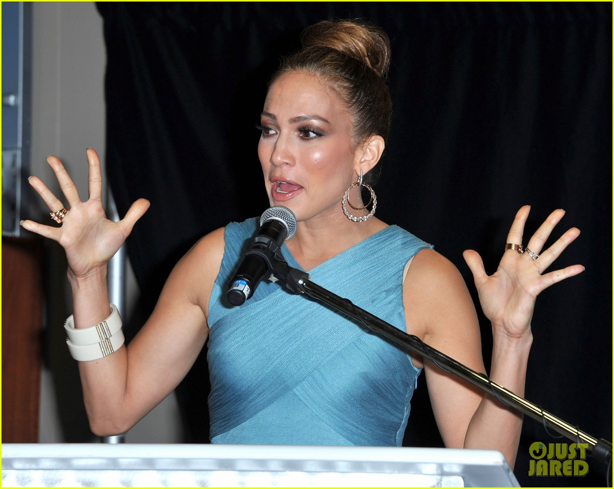 jennifer lopez best buy maribel foundation 06