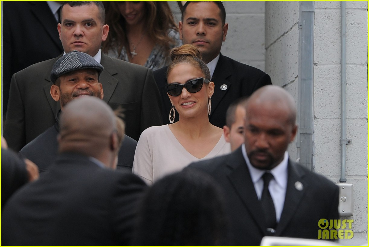 jennifer lopez best buy maribel foundation 13