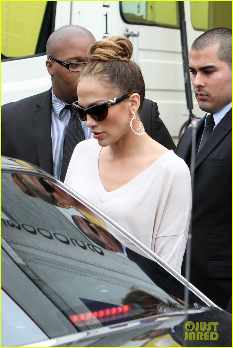 jennifer lopez best buy maribel foundation 16