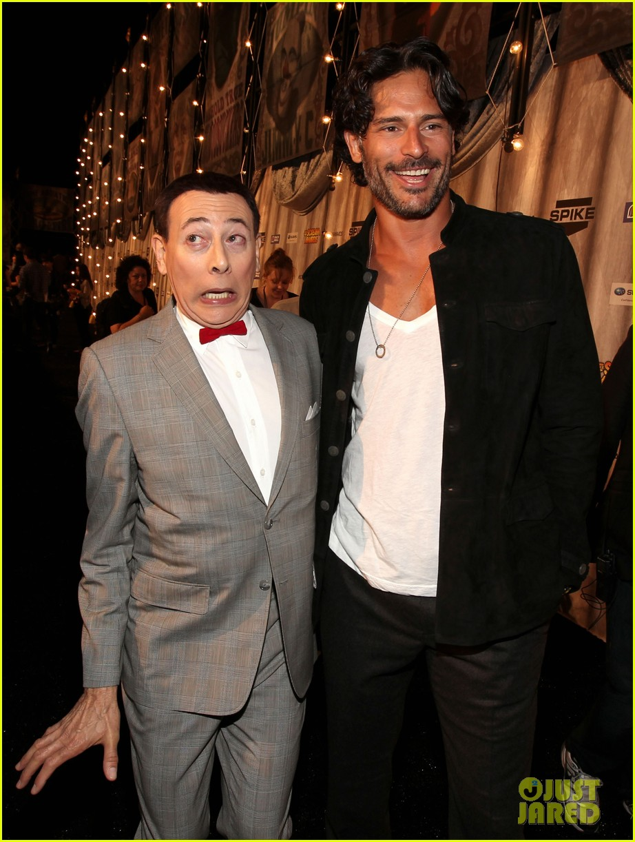 joe manganiello scream awards with pee wee herman 142590381