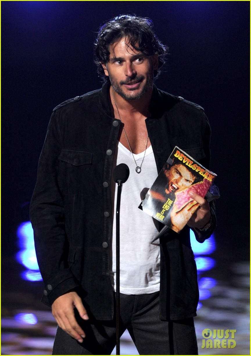 joe manganiello scream awards with pee wee herman 162590383
