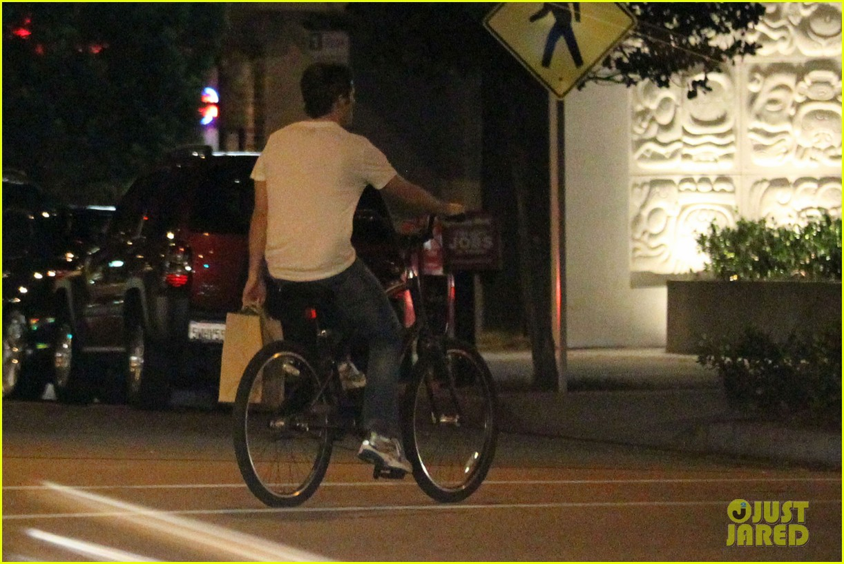 james marsden solo bike ride 102585714