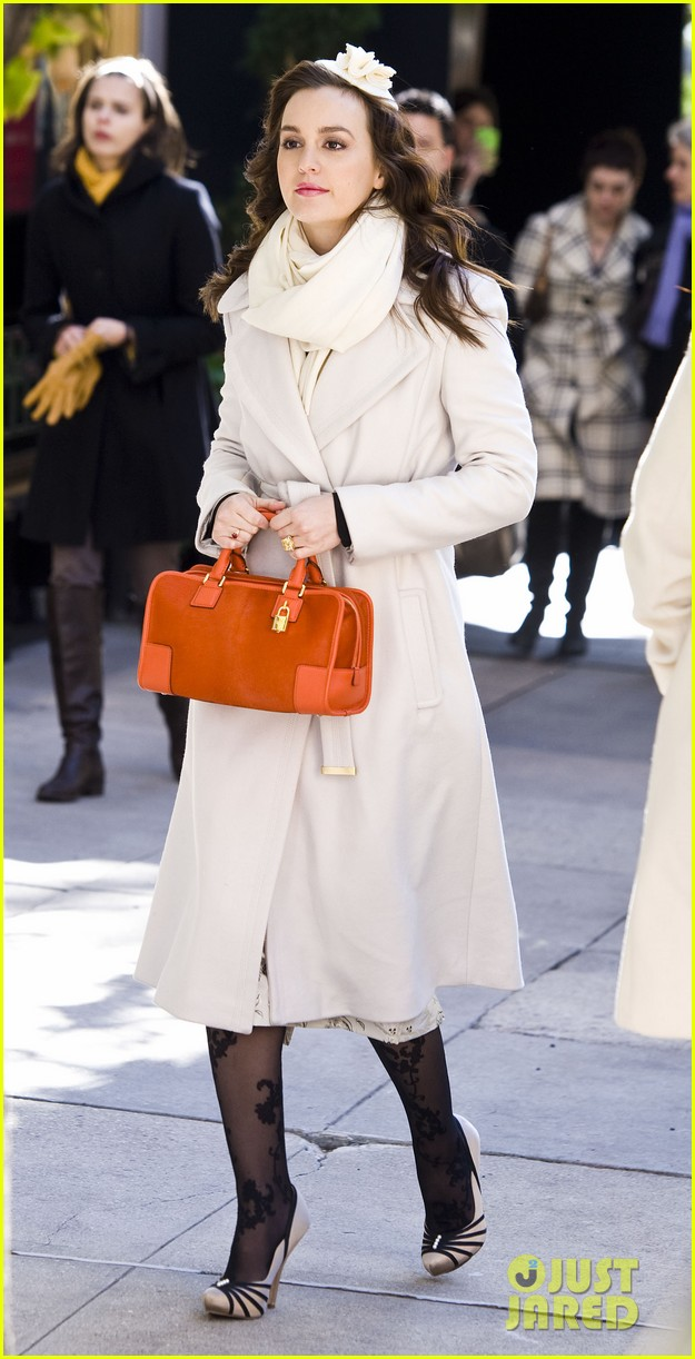 leighton meester white coat gossip set 21