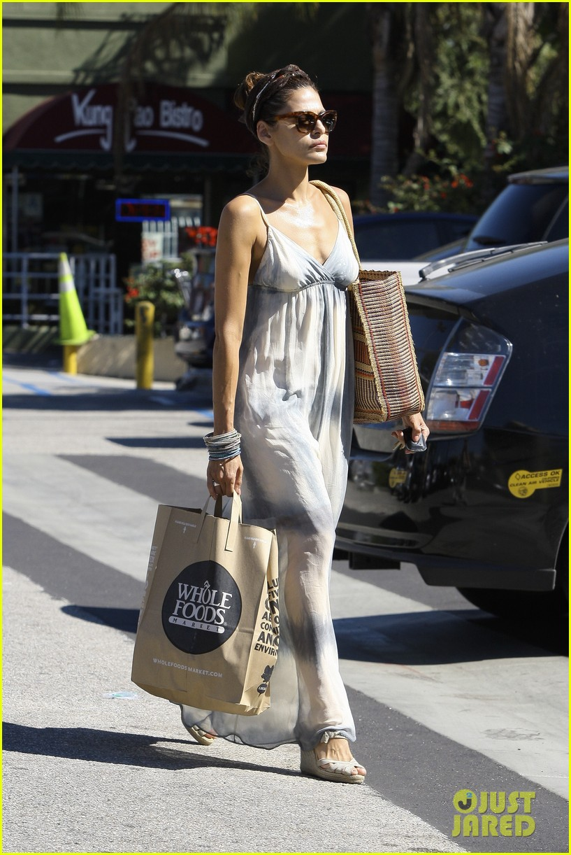 eva mendes whole foods 012590039