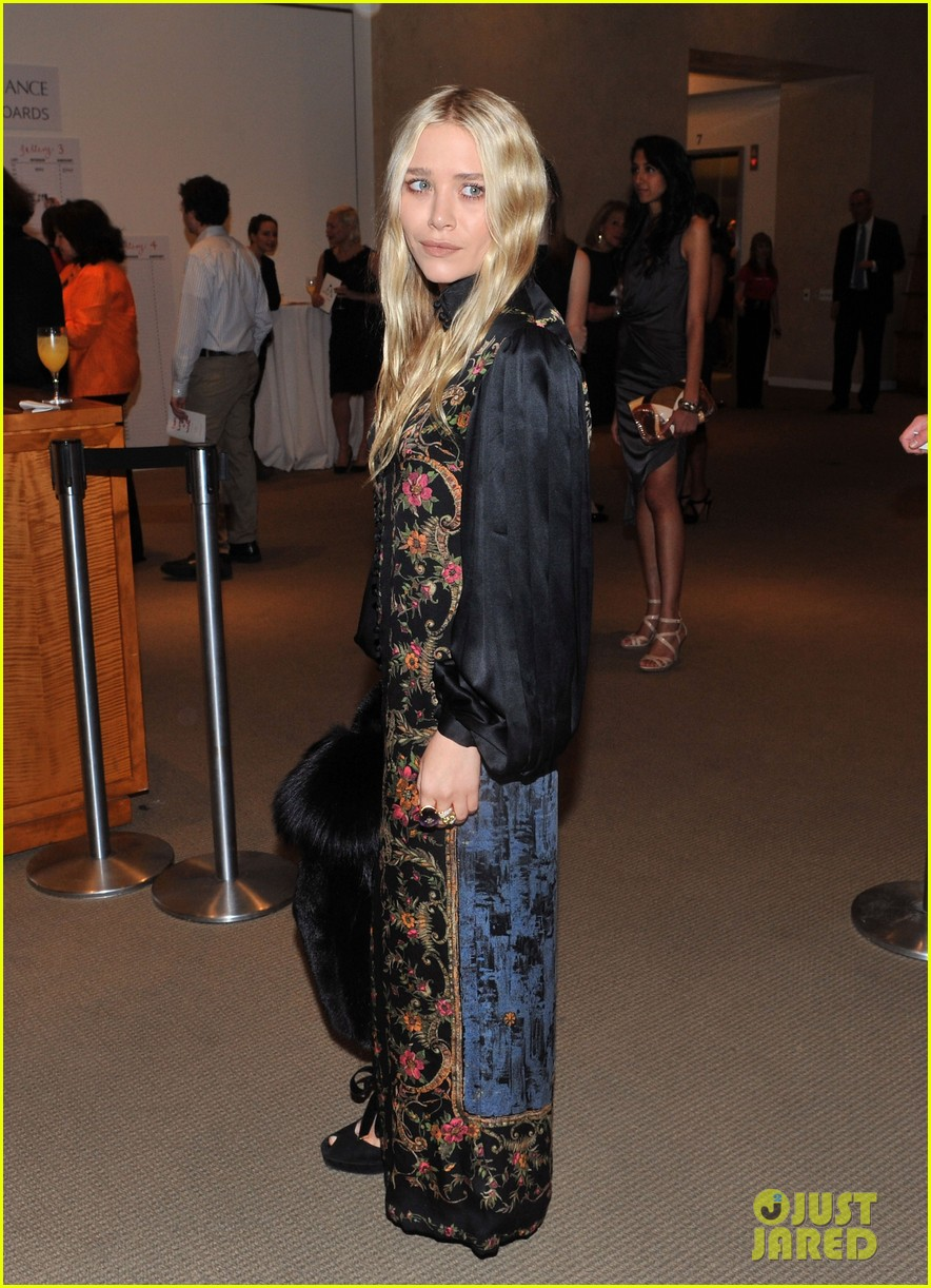 mary kate olsen nyaa 20th annual take home a nude benefit 012590982