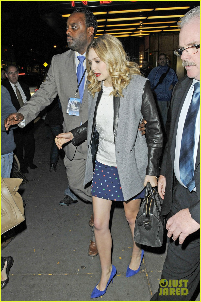 elizabeth olsen leaving jimmy fallon 022594195
